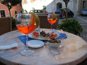 Aperol Sprizz & Fingerfood