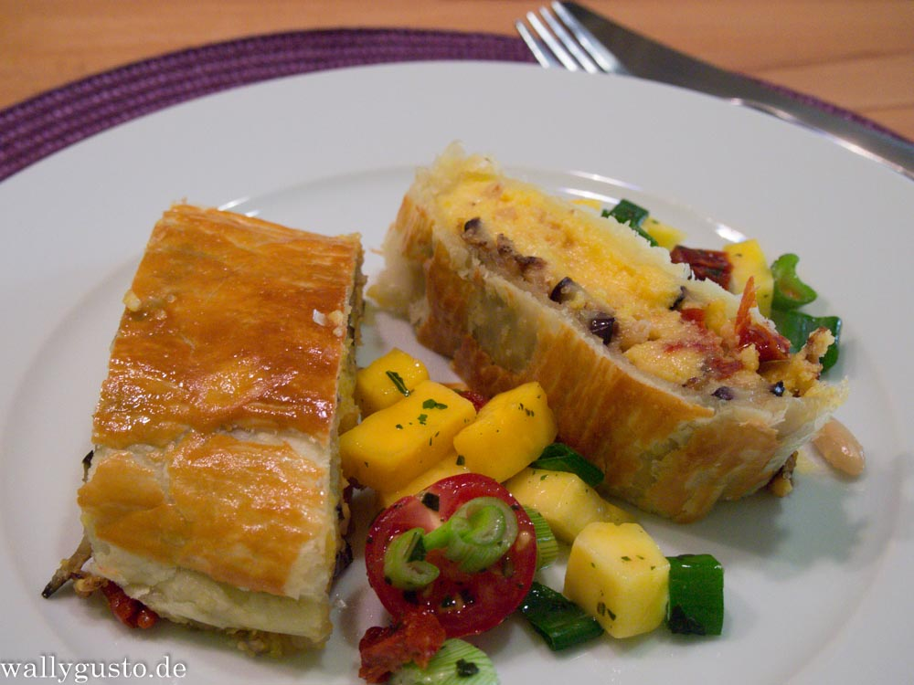 auberginen polenta strudel und tomaten mango salat buchvorstellung wallygusto der blog der. Black Bedroom Furniture Sets. Home Design Ideas