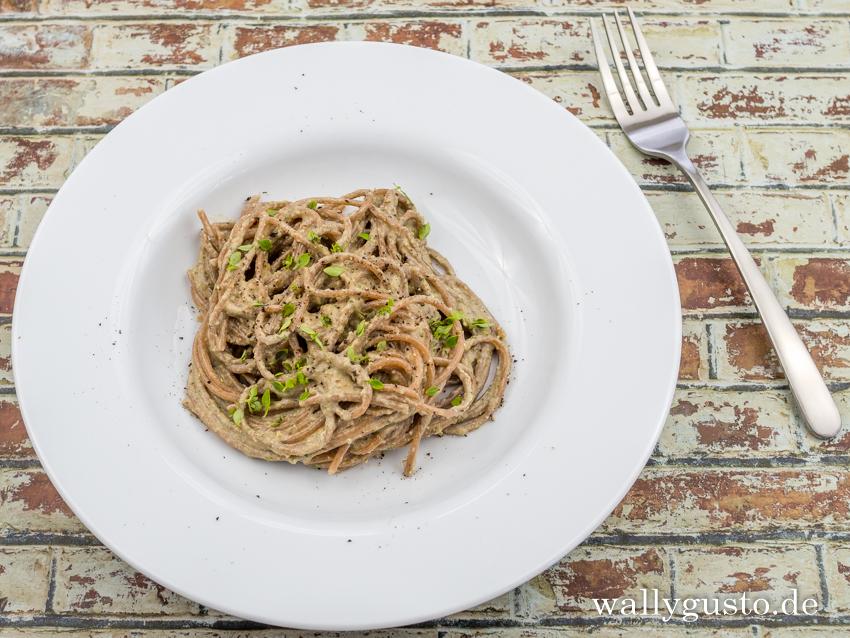 Auberginen-Pesto mit Walnüssen & mediterranen Kräutern | Rezept auf www.wallygusto.de