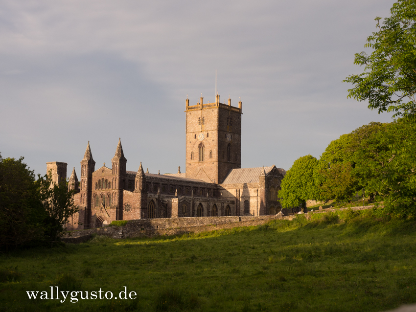 Bishop's Palace St. Davids - Travel Guide | Pembrokeshire Coast Nationalpark