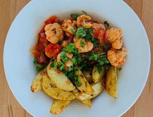 Blumenkohl mediterran mit Kartoffelspalten | Rezept auf www.wallygusto.de