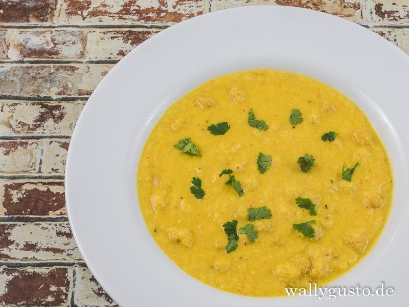Blumenkohlsuppe mit Kichererbsen und Kokosmilch   Rezept auf www.wallygusto.de