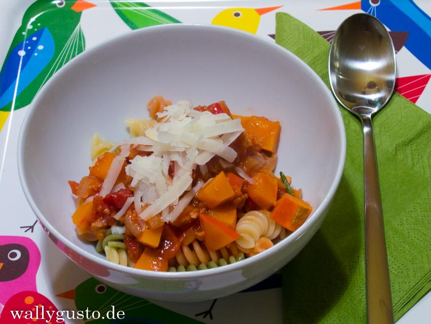 Vegane Bolognese mit Soja & Kürbis