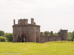 Glasgow & Dumfries and Galloway – Caerlaverock Castle