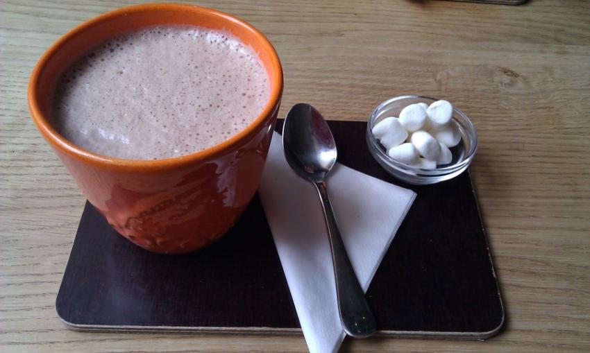 Cafe Mai M Ef Bf Bdnchen