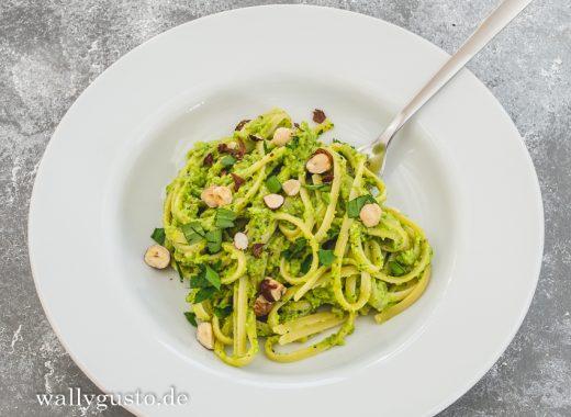 Erbsen-Pesto mit gerösteten Haselnüssen & Estragon | Rezept auf www.wallygusto.de