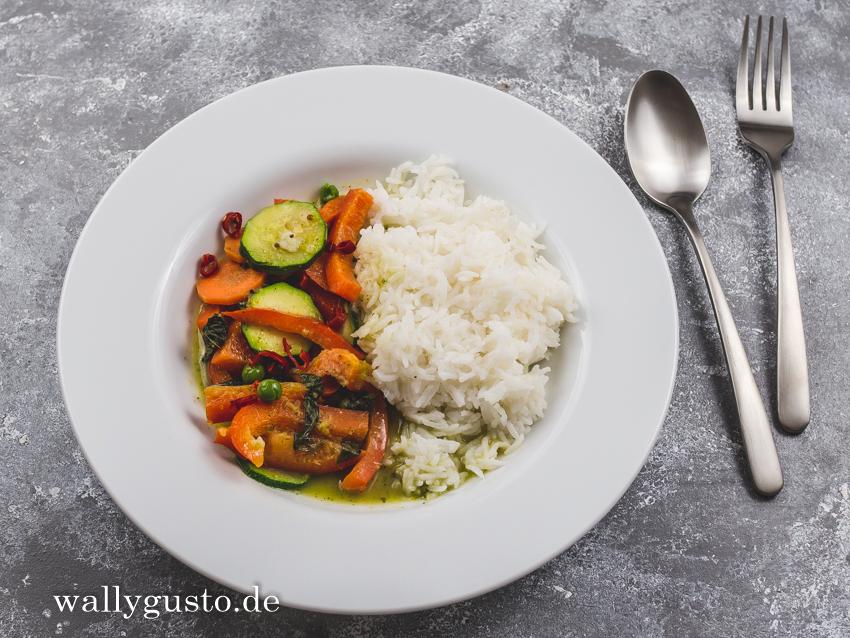 Grünes Thai Curry mit selbstgemachter Currypaste | Rezept auf www.wallygusto.de