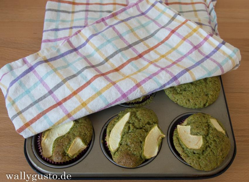 Gruene Apfelmuffins mit Marzipan 1