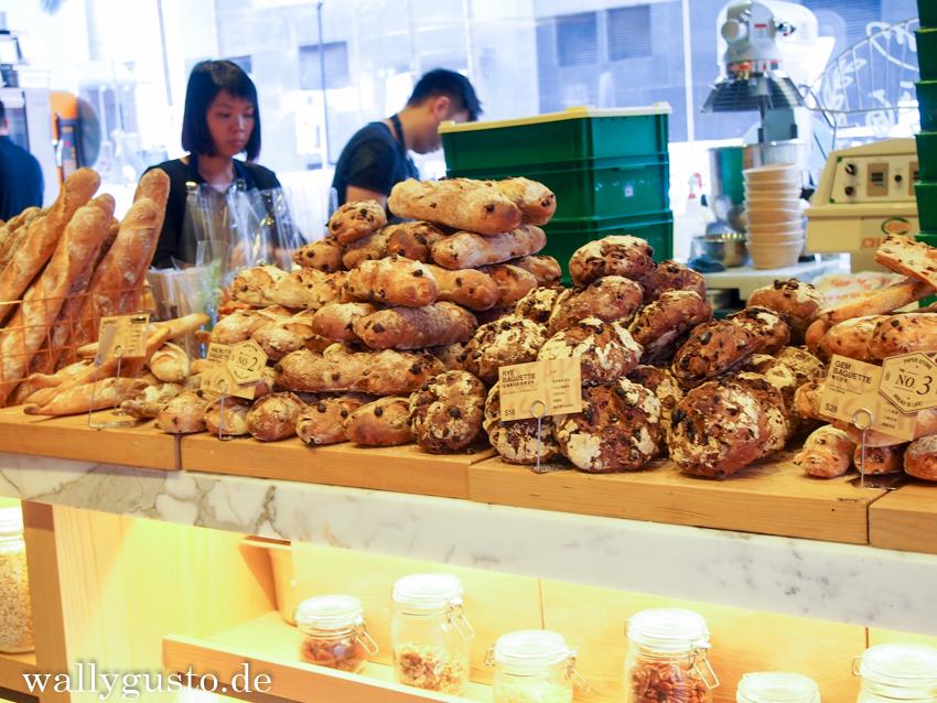 Riese Auswahl an westlichen Backwaren in der Paper Stone Bakery