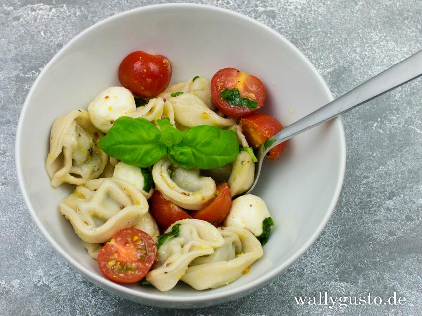 Italienischer Tortellini-Salat aus Yummy! Ganz easy Pause