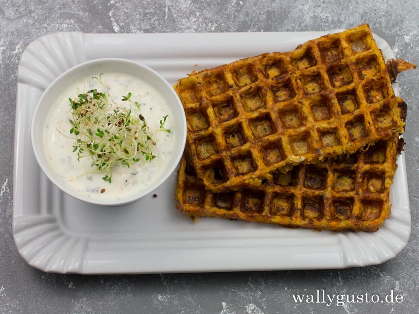 Kartoffelwaffeln mit Karotten & Joghurtdip | Rezept auf www.wallygusto.de