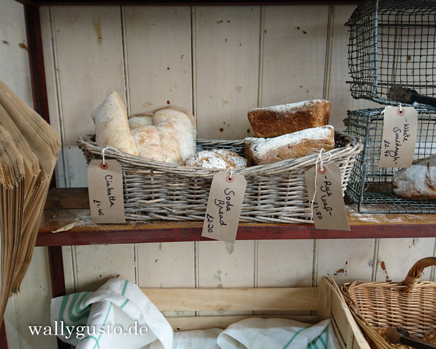 Loafley Bakery & Deli Tenby - Travel Guide | Pembrokeshire Coast Nationalpark