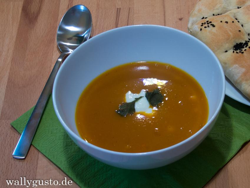 Kürbis-Kichererbsen-Suppe | Rezept & Buchvorstellung auf www.wallygusto.de