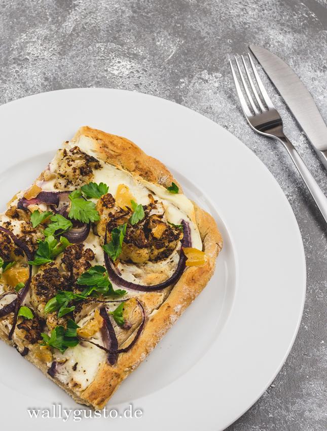Orientalische Pizza mit Blumenkohl, Salzzitrone und Zatar | Rezept auf www.wallygusto.de