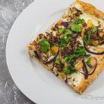 Orientalische Pizza mit Blumenkohl, Salzzitrone und Zatar