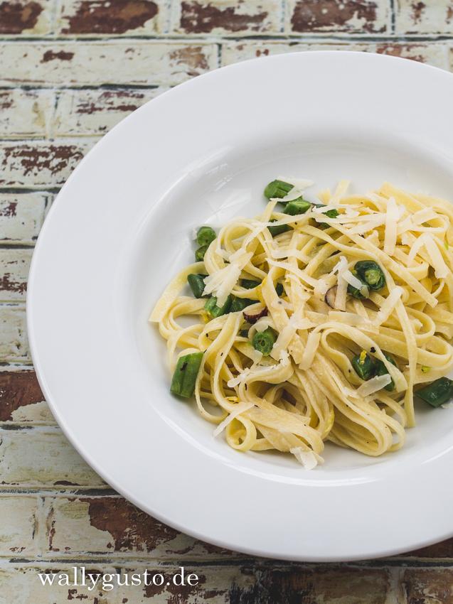 Pasta mit Bohnen, Haselnüssen & Parmesan | Rezept & Buchvorstellung von Immergrün von Mikkel Karstad auf www.wallygusto.de