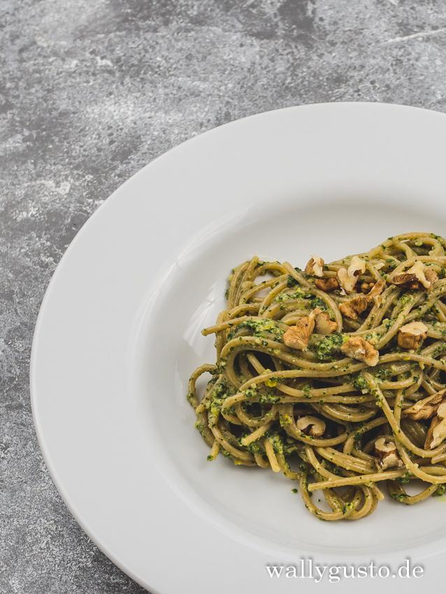 Pesto mit Zitronenmelisse und Salbei | Rezept auf www.wallygusto.de
