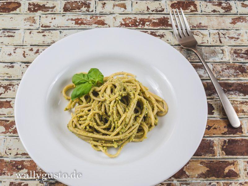 Pistazien-Pesto mit Basilikum und Minze | Rezept auf www.wallygusto.de