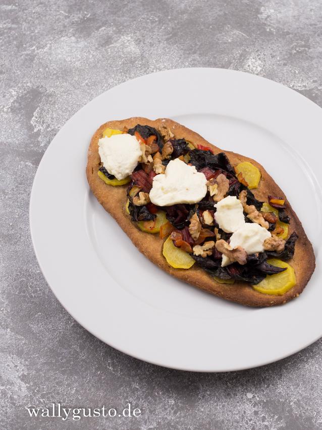 Pizza mit Mangold und Kartoffeln   Rezept auf www.wallygusto.de