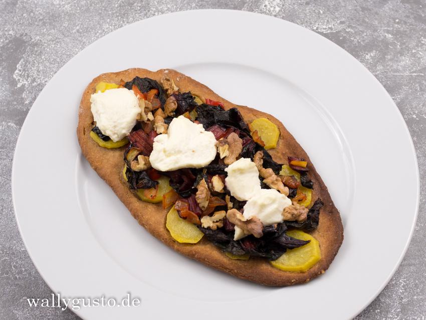 Pizza mit Mangold und Kartoffeln | Rezept auf www.wallygusto.de
