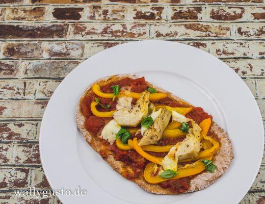 Pizza mit Paprika & Artischocken | Rezept auf www.wallygusto.de