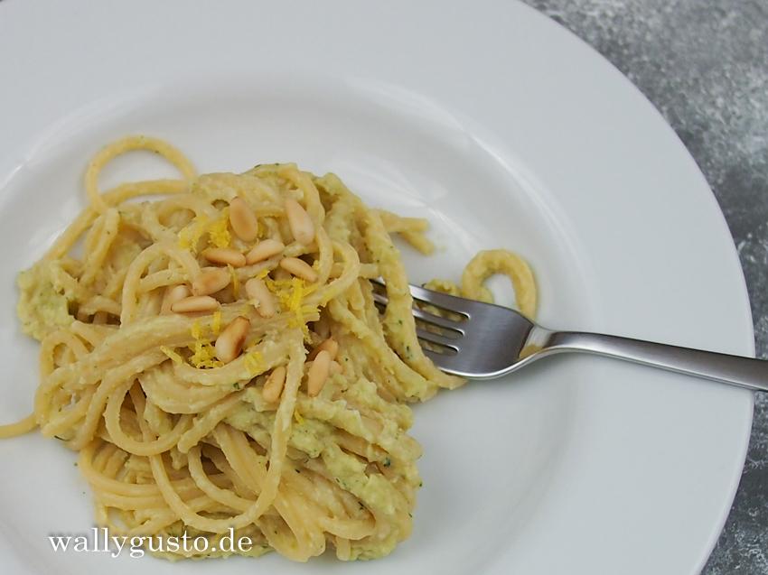 Rosenkohl-Pesto mit Thymian, Estragon & Zitrone | Rezept auf www.wallygusto.de