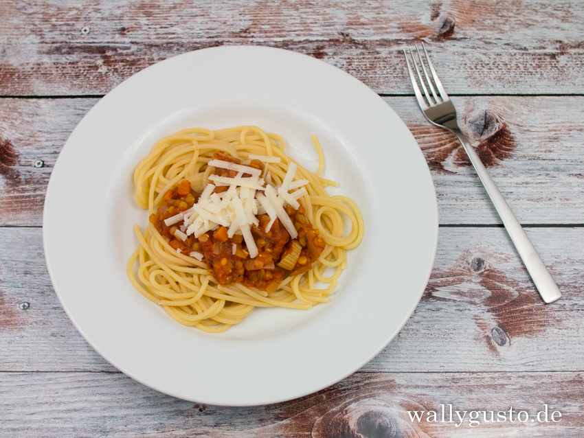 Spaghetti mit Linsen-Bolognese | Rezept auf www.wallygusto.de