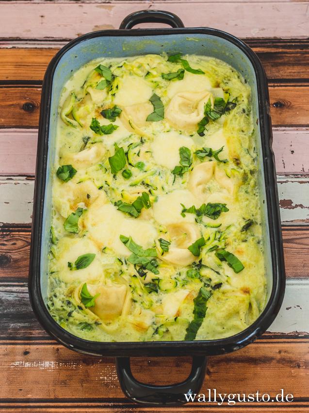 Tortellini-Auflauf mit Zucchini und Erbsen | Rezept auf www.wallygusto.de