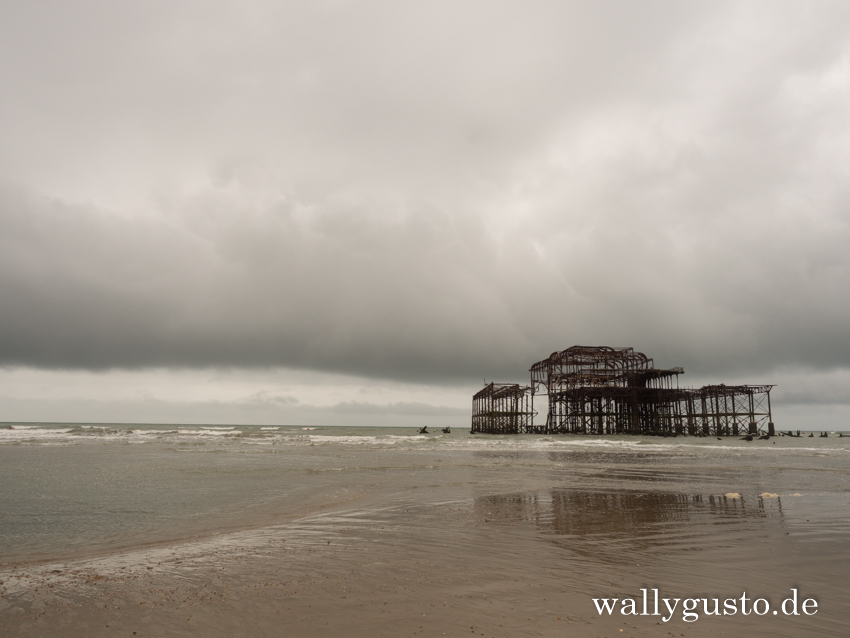 West Pier in Brighton | Brighton Travel Guide auf www.wallygusto.de