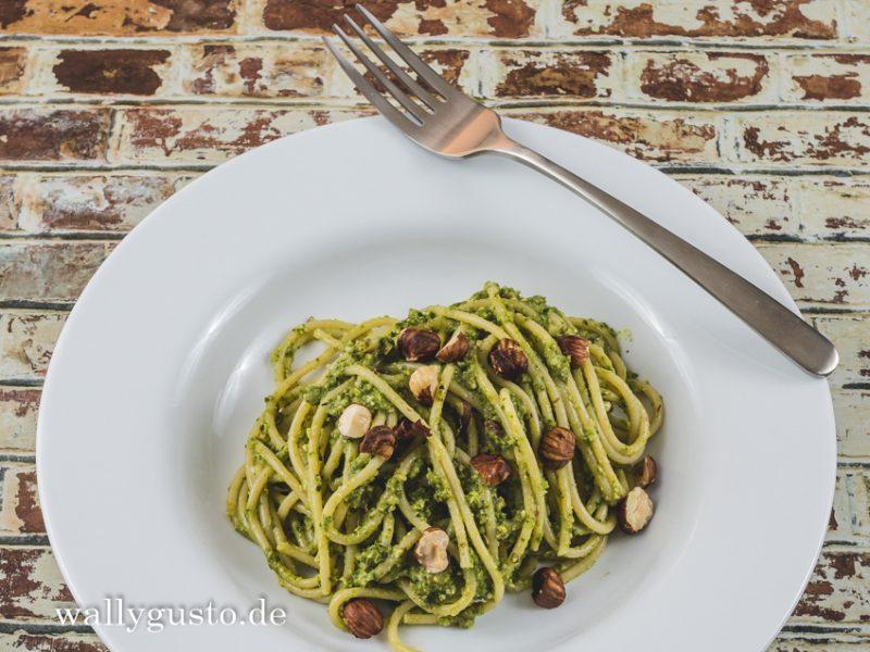 Wirsing-Pesto mit gerösteten Haselnüssen und Rosmarin   Rezept auf www.wallygusto.de