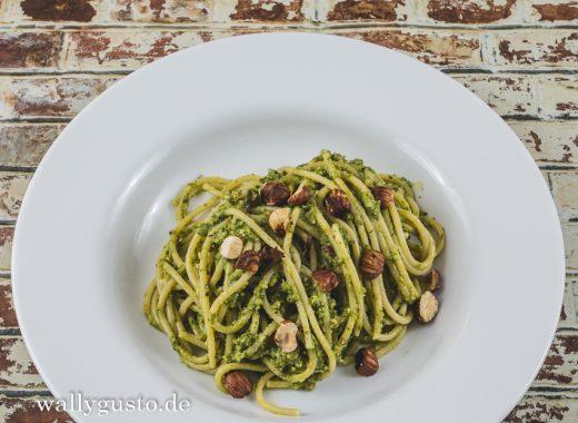 Wirsing-Pesto mit gerösteten Haselnüssen und Rosmarin | Rezept auf www.wallygusto.de