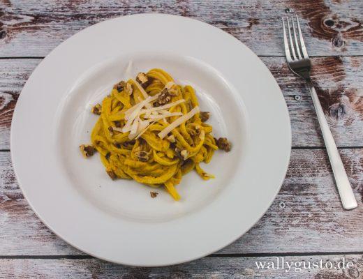 Zitroniges Kürbis-Pesto mit Walnuss | Rezept auf www.wallygusto.de